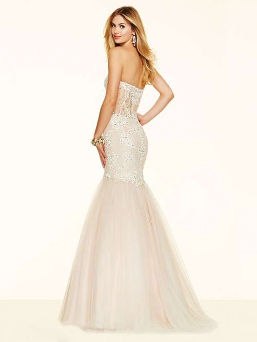 Trumpet/Mermaid Sleeveless Sweetheart Beading Tulle Sweep/Brush Train Dresses