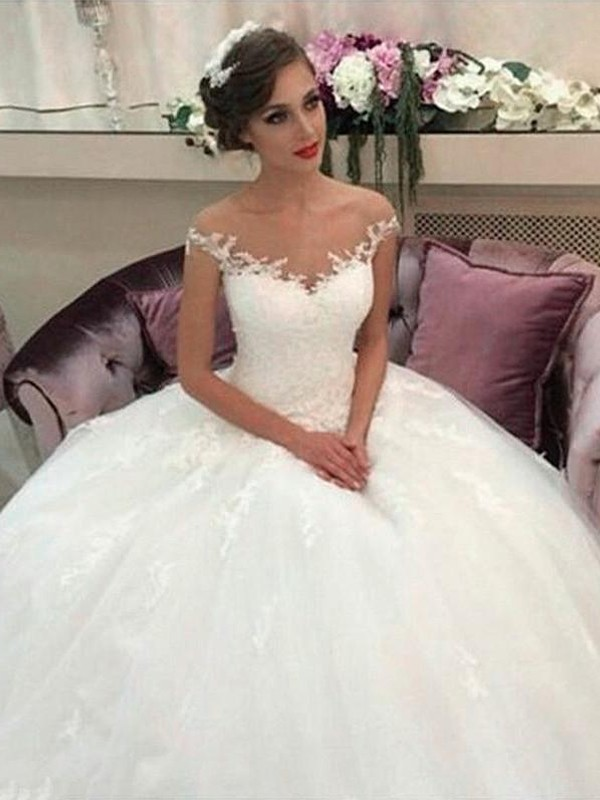 Ball Gown Off The Shoulder Court Train Tulle Sleeveless Wedding Dresses