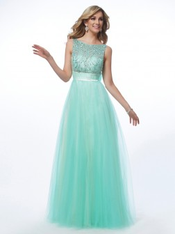 A-Line/Princess Bateau Sleeveless Beading Floor-Length Net Dresses
