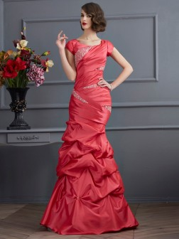 Trumpet/Mermaid Scoop Short Sleeves Beading Floor-Length Taffeta Dresses