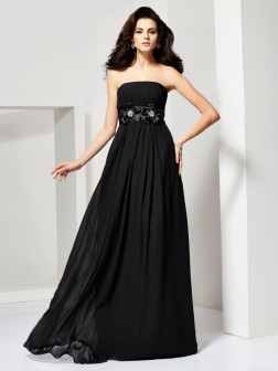 A-Line/Princess Strapless Sleeveless Hand-Made Flower Sweep/Brush Train Chiffon Dresses