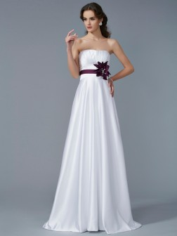 A-Line/Princess Strapless Sleeveless Hand-Made Flower Sweep/Brush Train Satin Dresses