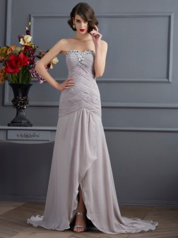 A-Line/Princess Sweetheart Sleeveless Beading Sweep/Brush Train Chiffon Dresses