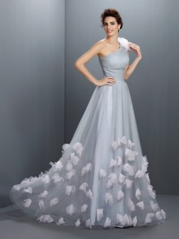 A-Line/Princess One-Shoulder Hand-Made Flower Sleeveless Floor-Length Net Dresses