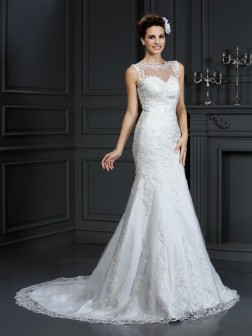 Sheath/Column Bateau Lace Sleeveless Court Train Satin Wedding Dresses