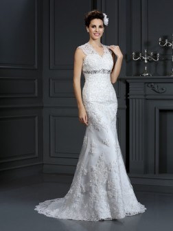 Sheath/Column V-neck Beading Sleeveless Sweep/Brush Train Lace Wedding Dresses