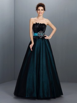 Ball Gown Strapless Feathers/Fur Sleeveless Floor-Length Elastic Woven Satin Dresses