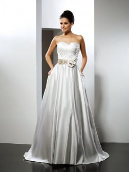 A-Line/Princess Sweetheart Hand-Made Flower Sleeveless Court Train Satin Wedding Dresses