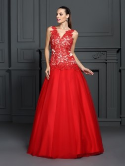 Ball Gown V-neck Lace Sleeveless Floor-Length Lace Dresses