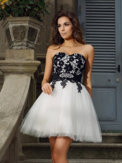 A-Line/Princess Sweetheart Applique Sleeveless Short/Mini Tulle Cocktail Dresses