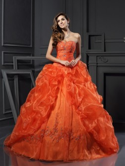 Ball Gown Sweetheart Beading Sleeveless Court Train Organza Dresses
