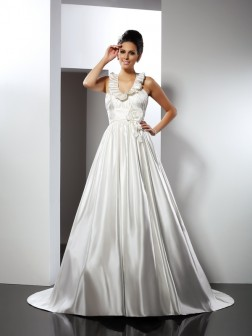 A-Line/Princess Halter Hand-Made Flower Sleeveless Chapel Train Satin Wedding Dresses