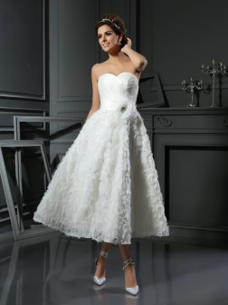 A-Line/Princess Sweetheart Bowknot Sleeveless Tea-Length Satin Wedding Dresses