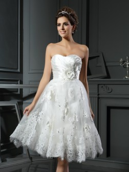 A-Line/Princess Sweetheart Ruched Sleeveless Tea-Length Satin Wedding Dresses