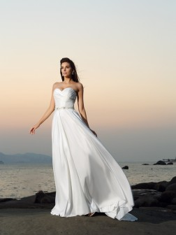 A-Line/Princess Sweetheart Beading Sleeveless Chapel Train Taffeta Wedding Dresses