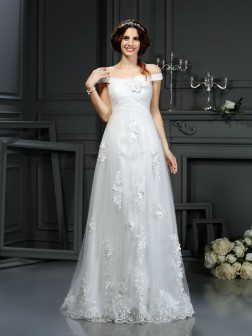 A-Line/Princess Off-the-Shoulder Applique Sleeveless Court Train Net Wedding Dresses