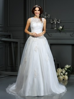 A-Line/Princess Scoop Applique Sleeveless Court Train Net Wedding Dresses