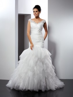 Trumpet/Mermaid V-neck Applique Sleeveless Cathedral Train Tulle Wedding Dresses