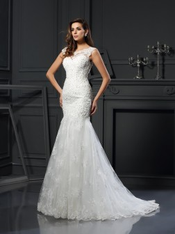 Trumpet/Mermaid Scoop Applique Short Sleeves Chapel Train Tulle Wedding Dresses