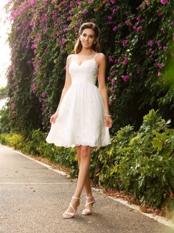 A-Line/Princess Spaghetti Straps Applique Sleeveless Knee-Length Lace Wedding Dresses