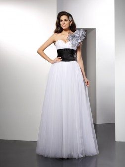 A-Line/Princess One-Shoulder Sash/Ribbon/Belt Sleeveless Floor-Length Net Dresses