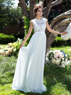 A-Line/Princess Scoop Sleeveless Applique Sweep/Brush Train Chiffon Dresses