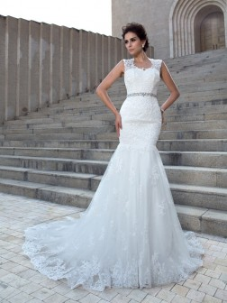 Trumpet/Mermaid V-neck Applique Sleeveless Chapel Train Lace Wedding Dresses