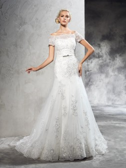Sheath/Column Off-the-Shoulder Applique Short Sleeves Court Train Net Wedding Dresses