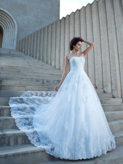 Ball Gown Spaghetti Straps Applique Sleeveless Chapel Train Satin Wedding Dresses