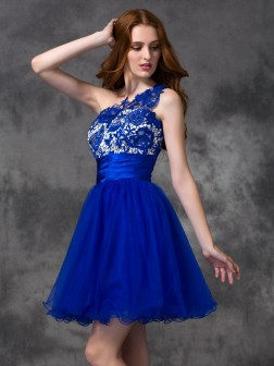A-line/Princess One-Shoulder Lace Sleeveless Short/Mini Satin Dresses