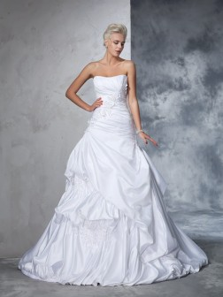 Ball Gown Strapless Applique Sleeveless Chapel Train Satin Wedding Dresses