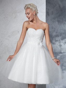 A-Line/Princess Sweetheart Hand-made Flower Sleeveless Knee-Length Net Wedding Dresses