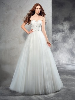 A-Line/Princess Sweetheart Beading Sleeveless Floor-Length Net Wedding Dresses