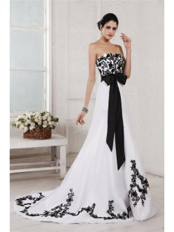 A-Line/Princess Sweetheart Sleeveless Embroidery Sash Court Train Net Satin Wedding Dresses