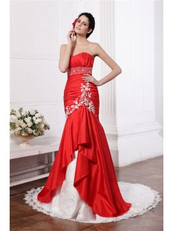 Trumpet/Mermaid Strapless Sleeveless Beading Lace Applique Court Train Taffeta Wedding Dresses
