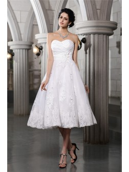 A-Line/Princess Sweetheart Sleeveless Beading Applique Tea-Length Taffeta Wedding Dresses
