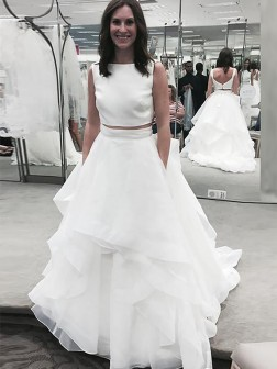 A-Line/Princess Bateau Sleeveless Chiffon Court Train Wedding Dresses