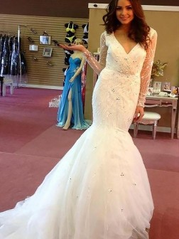 Trumpet/Mermaid Beading Tulle Long Sleeves Court Train V-neck Wedding Dresses