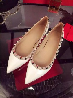 Women's White Flat Heel Sheepskin Closed Toe With Rivet Party Casual Shoes