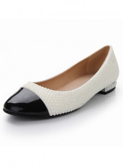 Women's Patent Leather Flat Heel Closed Toe With Pearl Casual Shoes