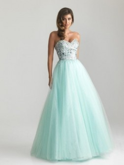 A-line/Princess Sweetheart Beading Sleeveless Floor-length Tulle Dresses