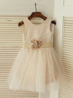 A-line/Princess Scoop Sleeveless Sash/Ribbon/Belt Floor-length Tulle Dresses